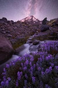 Moonrise-over-Mount-Shasta2